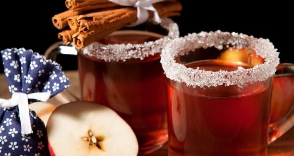 рецепта за греяно вино с ябълки и канела